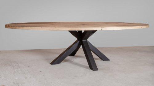 Ovale eikenhouten tafel X07