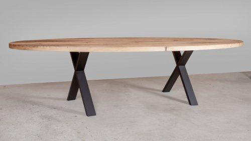 Ovale eikenhouten tafel X