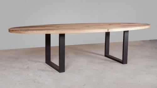 Ovale eikenhouten tafel X010