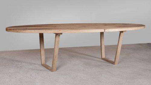 Ovale eikenhouten tafel X011