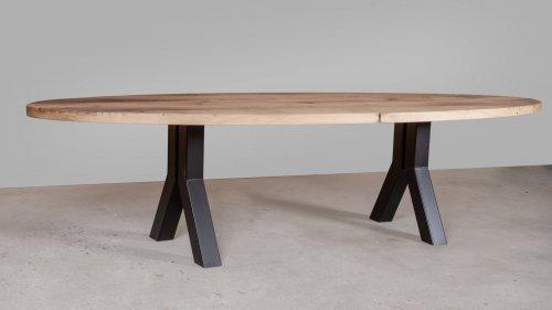 Ovale eikenhouten tafel X013