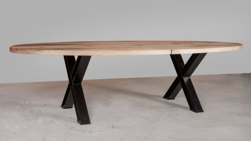 Ovale eikenhouten tafel X015